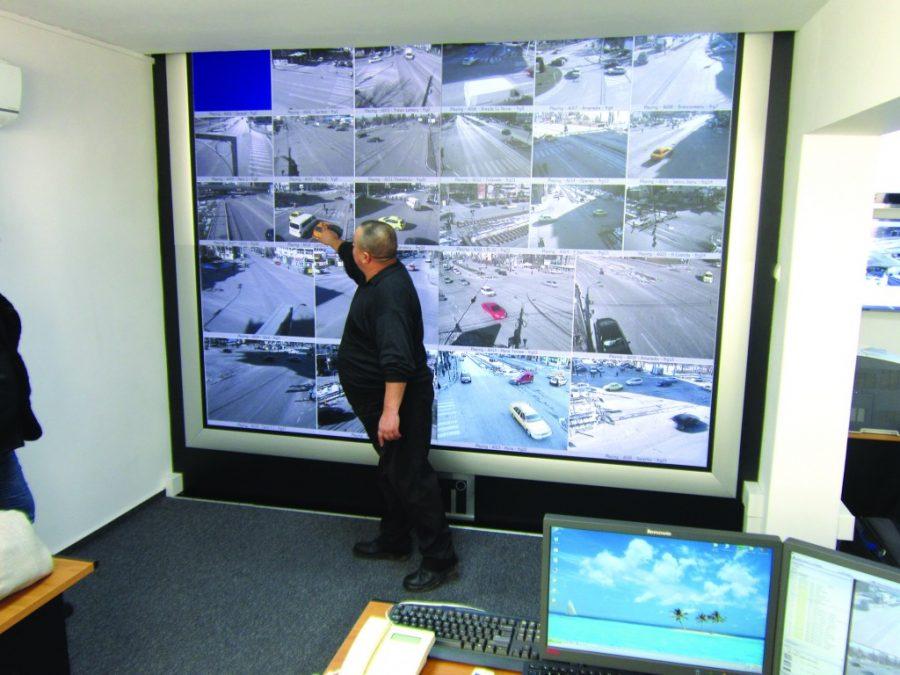 Cine e in spatele camerelor de supraveghere din Craiova?