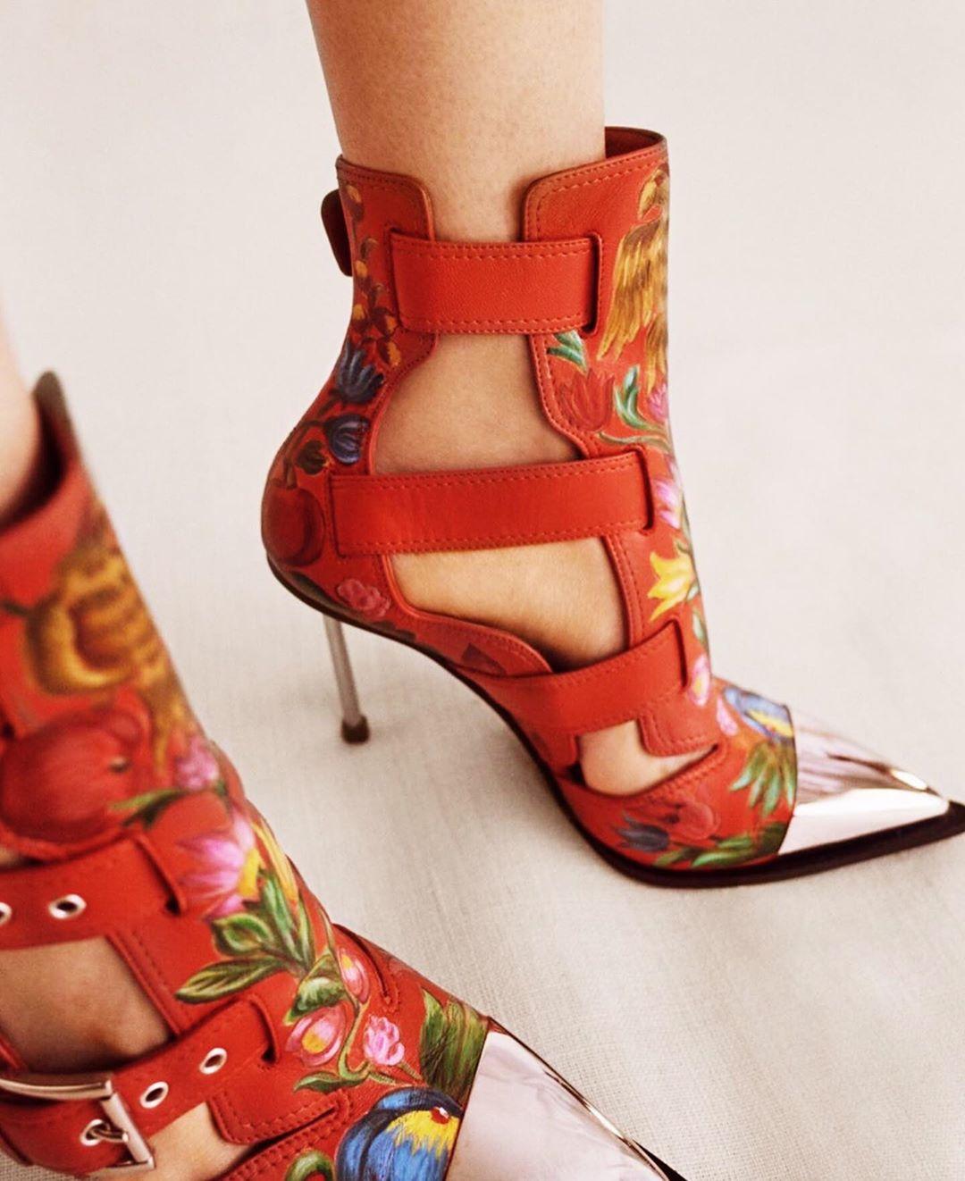 sandale-rosii-cu-toc